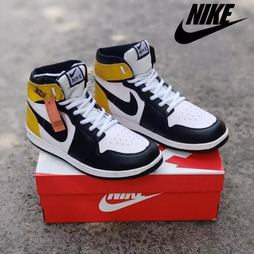 Foto Produk Sepatu Pria Nike Air Jordan // Sepatu Sport Sneakers Terkini - Kuning, 38 dari DWI OLSHOP CENTER