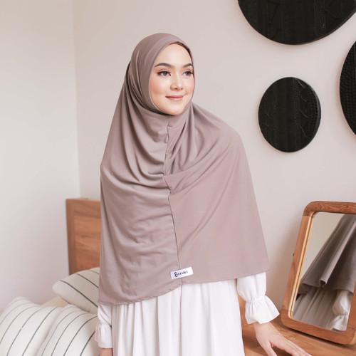 Foto Produk Hijab Ellysha DWIHANDA HIJAB INSTANT MALAY GREYISH BROWN dari Hijab Ellysha Official