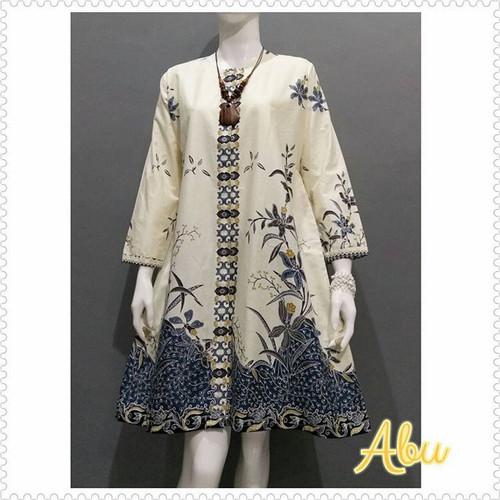 Foto Produk Baju Wanita Tunik Terbaru Motif Batik Putih - Abu-abu, All Size dari Gerai Batik Arsobo Pekalongan