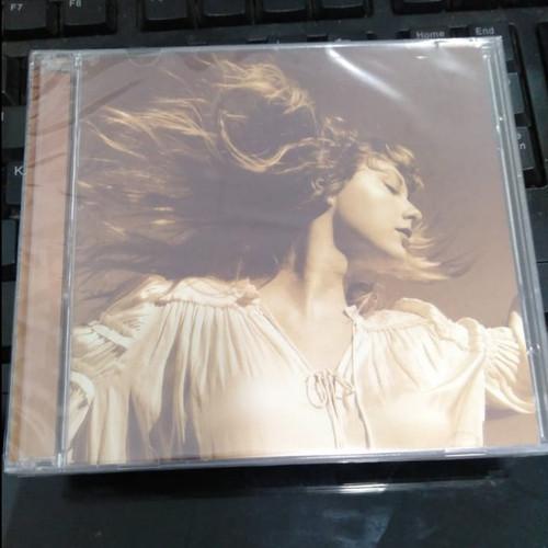 Foto Produk CD Taylor Swift - Fearless (Taylor's Version) Album 2 Disc dari Creative Disc