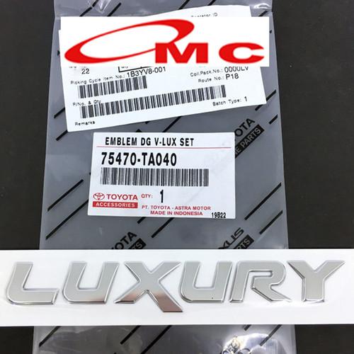 Foto Produk Emblem Logo Toyota Luxury Innova 75470-TA040 dari OMC-Shop