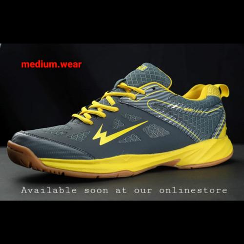 Foto Produk EAGLE GALLANT Sepatu Olahraga Badminton - Abu / Kuning, 37 dari Medium_wear