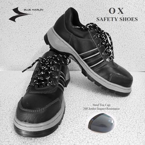 Foto Produk SEPATU SAFETY BLUMAR OX (ADA BESI DIJUNG) - 39 dari Blue Marlin Shoes Official