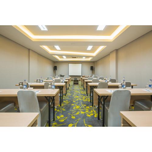 Foto Produk Voucher Meeting Room Hotel 88 Fatmawati dari Waringin group