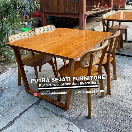 Foto Produk meja makan minimalis 4 kursi jati mewah murah dari Putra Sejati Furniture
