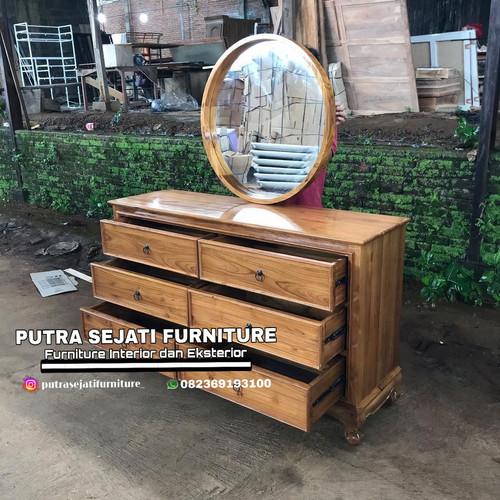 Foto Produk Meja rias minimalis kaca bundar murah dari Putra Sejati Furniture