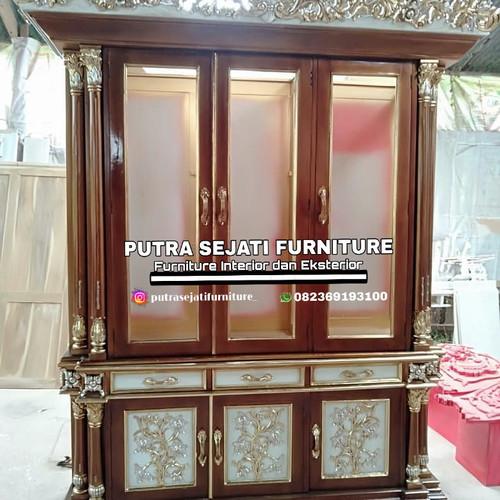 Foto Produk lemari pajangan kayu jati 3 pintu dari Putra Sejati Furniture