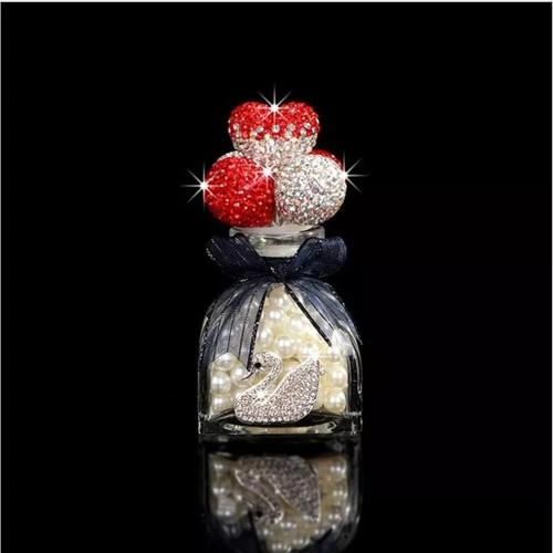 Foto Produk Pajangan Dashboard Love Crystal Rhinestones Tempat Parfum Kaca Mobil - Merah dari Gentleman Car