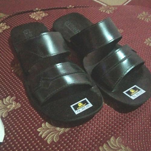 Foto Produk sandal kulit asli peron dari Metro Busana 19