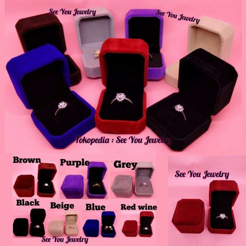 Foto Produk Kotak Cincin / Tempat Cincin / ring box beludru mewah - beige dari See You Jewelry