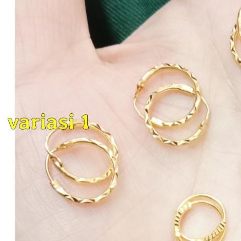 Foto Produk Anting emas 700 anak dan bayi 1/2 gram - var 1 ukir dari TokoEmasFamily