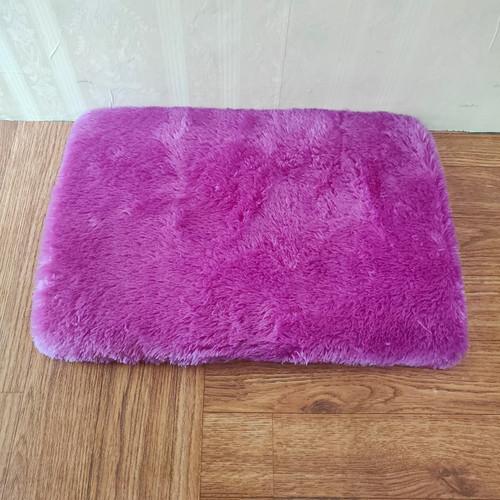 Foto Produk Keset bulu 35*50 Tebal 4.5cm - ungu barney dari Luzzy Distibutor Karpet