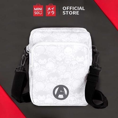 Foto Produk MINISO Marvel Tas Selempang Crossbody Shoulder Bag Fashion Sekolah-mix - Putih-hitam dari Miniso Indonesia
