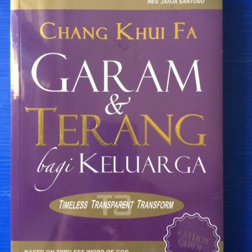 Foto Produk Garam dan Terang bagi Keluarga + Study Guide dari CV Pionir Jaya