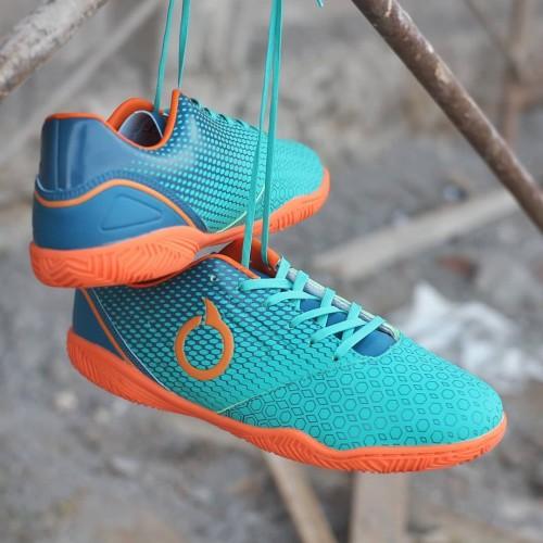 Foto Produk Sepatu Futsal Ortuseight Genesis IN - Tosca/Arctic Blue/Ortrange dari Jogja Sepatu Original