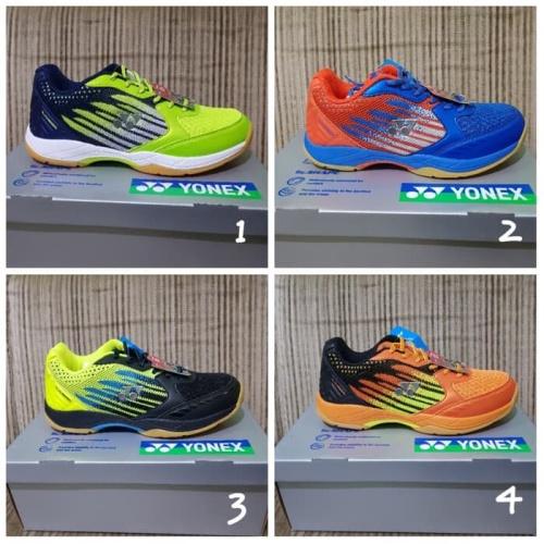 Foto Produk Sepatu Badminton Yonex 888 SL dari oke sport acc