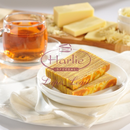 Foto Produk Harlie Lapis Legit Keju Uk. 10x20 ( setengah loyang - 10 x 20 ) dari HARLIE LAPIS LEGIT