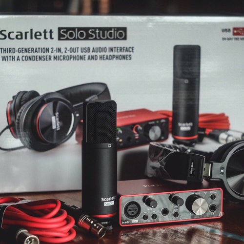 Foto Produk Paket recording focusrite scarlet solo studio 3rd gen dari Chics Musik Store