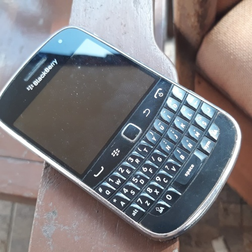 Foto Produk BlackBerry bold touch 9900 dari Ozora Kiosk