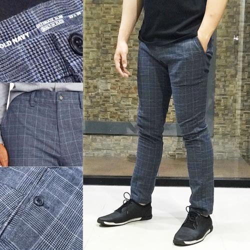 Foto Produk Celana Old Navy Ultimate Slim Built Flex Chino Tartan Grey Original - 36 dari OTOMO Store
