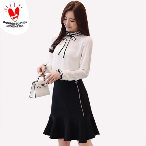Foto Produk Jfashion Blus Tangan Panjang Gaya Korea Variasi pita Leher - Josephine - Putih, L dari j--fashion
