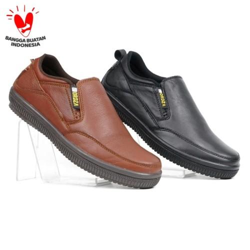 Foto Produk Sepatu Pria Casual Slip On Kulit Asli Plain Toe Campsly D904 Original - Hitam, 40 dari FORDZA Shop