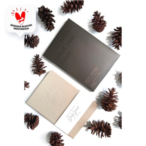 Foto Produk Paket Daily Journal Jose Carol Christmas Edition (10pcs Cream/Cokelat) dari Insight Unlimited