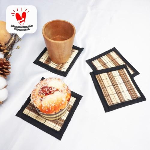 Foto Produk Lio| tatakan gelas coaster kotak anyam lidi bagus awet murah anti slip - Motif dari Mendekor