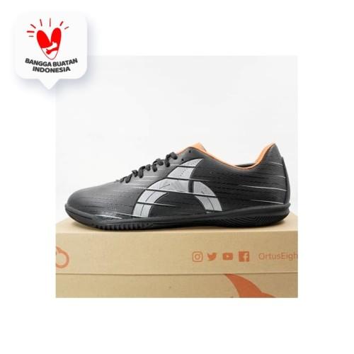 Foto Produk Sepatu Futsal Ortuseight Raptor IN Black Silver 11020195 Original BNIB - 39 dari KING OF DRIBBLE