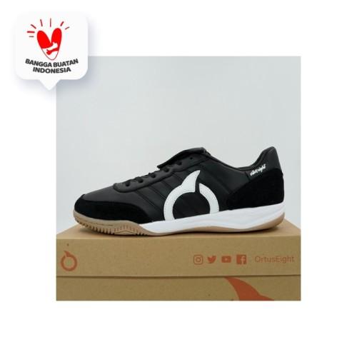 Foto Produk Sepatu Futsal Ortuseight Jogosala Rabona Black White 11020201 Original - 39 dari KING OF DRIBBLE