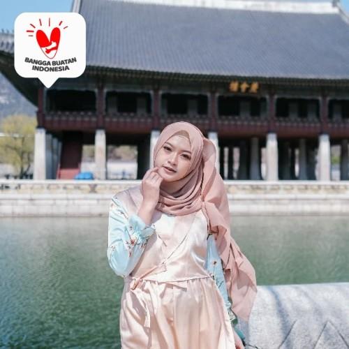 Foto Produk Gamis Hanbok Yoona Blossom Maxidress - Gold Leaf, L dari DRESSSOFIA