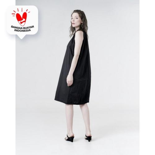 Foto Produk This Is April - Emory Halter Neck Dress Black dari This Is April