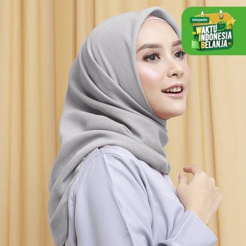 Foto Produk Wulfi Hijab Segiempat 110cm Cornskin Lilit Cloud Grey dari Wulfi