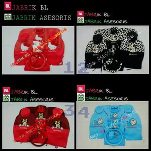 Foto Produk Sarung Jok Mobil AGYA AYLA Motif Karakter Kartun Hello Kitty Doraemon dari rufyaa shop