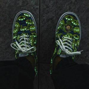 Foto Produk Sepatu Skateboard Aliens Toy Story X Vans Ukuran Eu 35-44 dari Tas Tasan