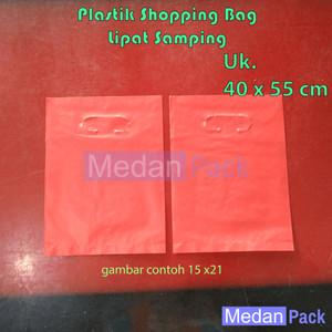 Foto Produk Plastik Shopping Bag uk. 40 x 55 cm per kg dari Medan Pack