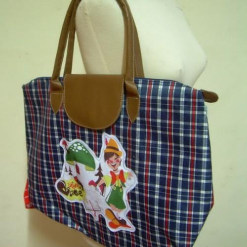Foto Produk Tas Besar Pinokio dari Opium Babe ^