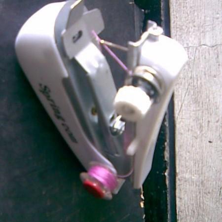 Foto Produk Mesin Jahit Tangan Mini dari Unik Shop