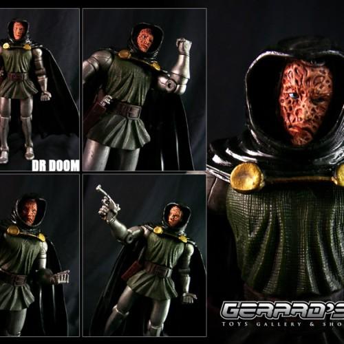 Foto Produk Dr Doom Variant - Marvel Legends - Toybiz - Loose With Gun dari GERARD-TOYS