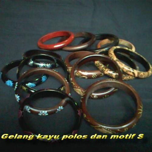 Foto Produk gelang kayu dari Bali Wedding Souvenir