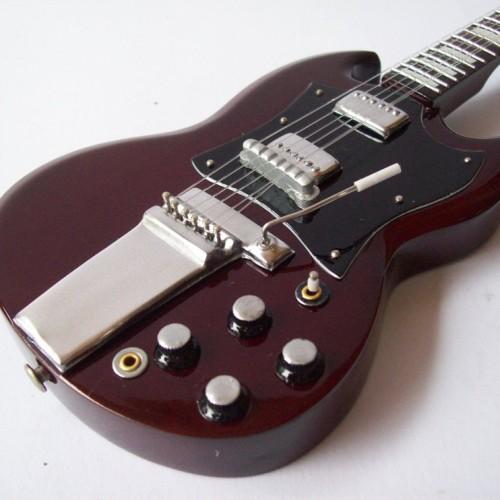 Foto Produk Gitar Miniatur Gibson SG Angus Young ACDC3 dari Exclusive Miniature
