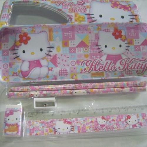 Foto Produk TEMPAT PENSIL KALENG HELLO KITTY dari FaUstA KiOkO Kids Shop