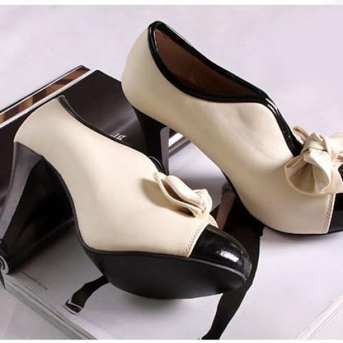 Foto Produk Pump shoes (chanel counterfeit) dari W n K Corner