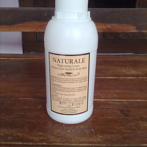 Foto Produk Naturale Bleaching Cream 500ml dari Beauty Pedia