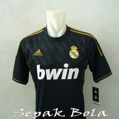 Foto Produk Jersey Real Madrid Away 11/12 dari Sepak Bola Mania