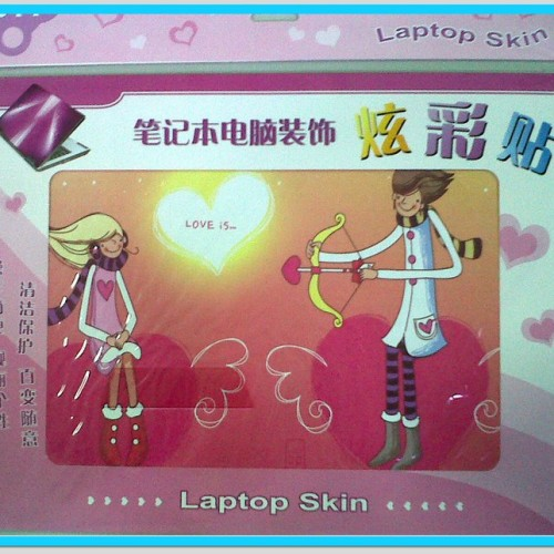 Foto Produk Pink Lovers Laptop Skin dari Qiew Shop - Wall Sticker