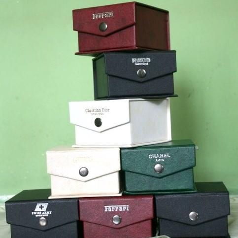 Foto Produk Box Jam kulit  dari Uishop