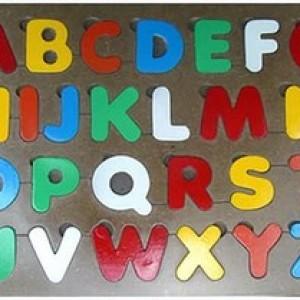 Foto Produk Puzzle Huruf Besar dari Aish Toys