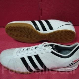 Foto Produk Sepatu Futsal Adidas Adinova White Black dari Footballgear