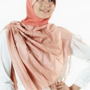 Foto Produk Jilbab trendy turkish style merah Beige dari rlsdn-3091
